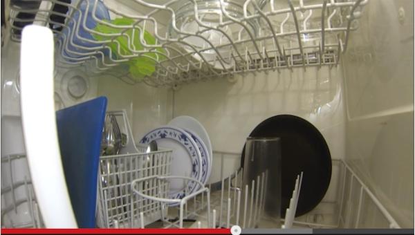 意外に知らない!?「食器洗浄機」の内部を撮影してみた