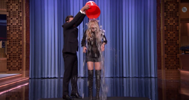 Lindsay Lohan, ALS ice bucket challenge, tonight show, jimmy fallon