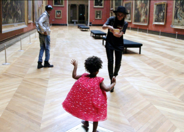 Beyonce shares pictures of Louvre visit