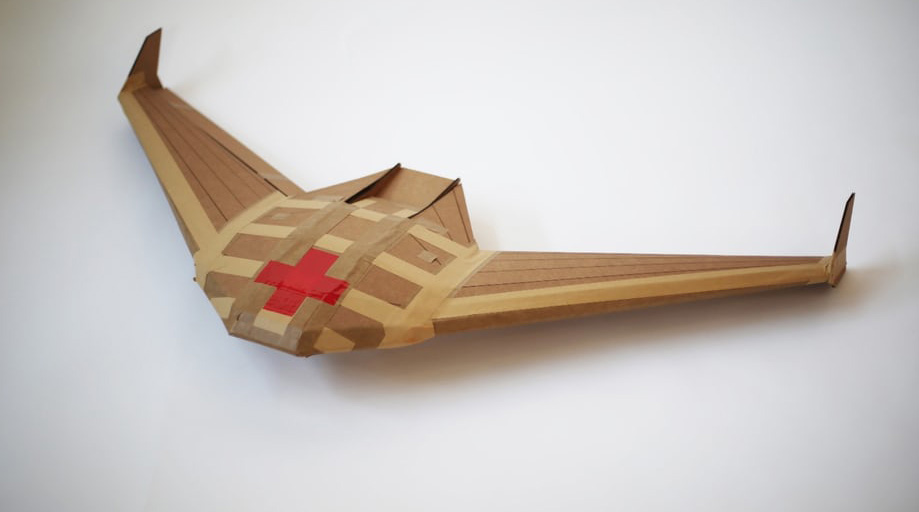 Einweg-Papp-Drohnen für Lieferungen ins Kriegsgebiet
