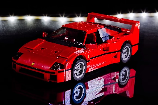 【ビデオ】レゴで作るフェラーリ「F40」のタイムラプス映像