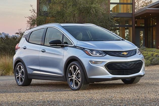 GM、「モデル3」で注目を集めるテスラをチクリ 「ボルトには予約は不要」