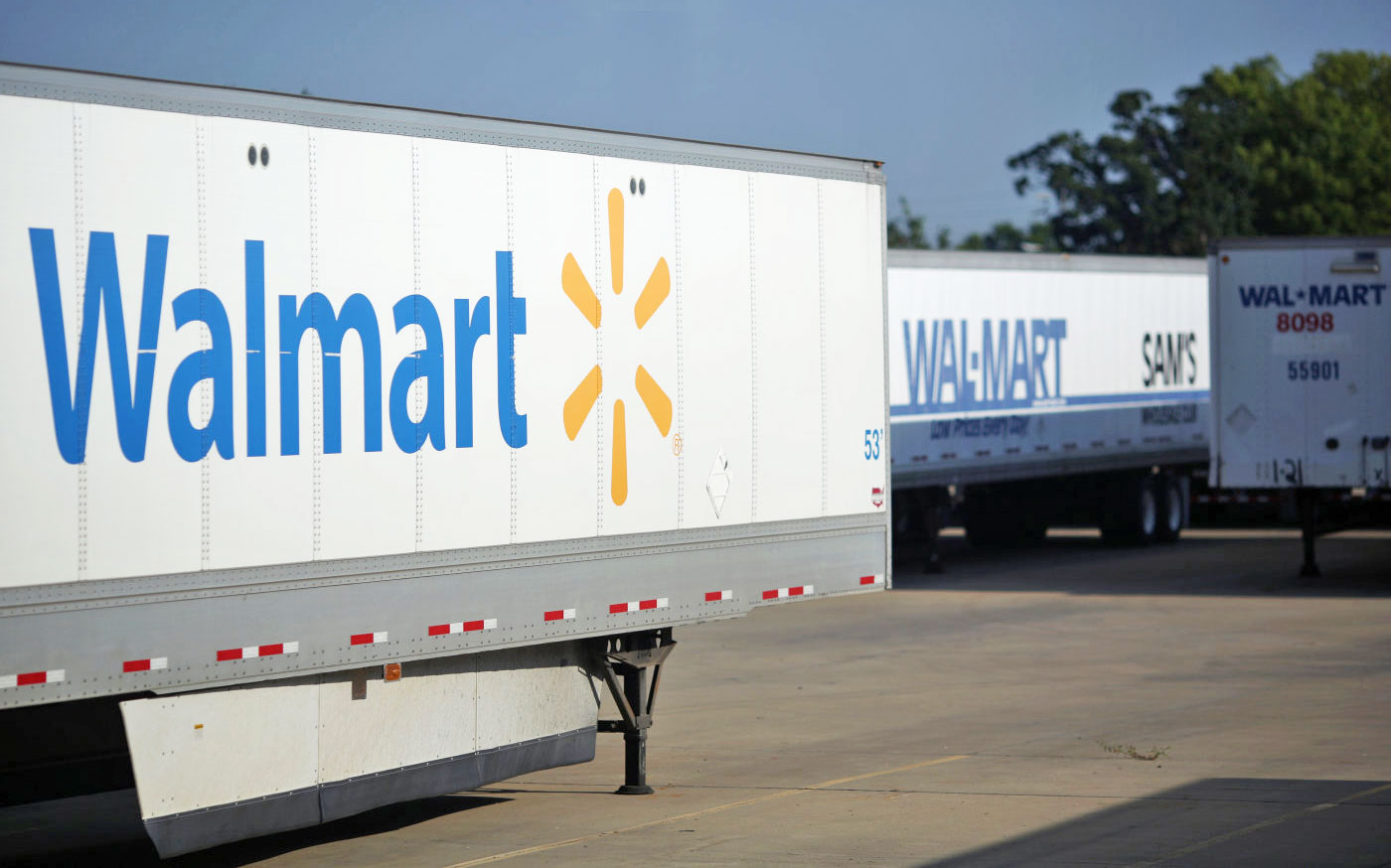Walmart tests two-day shipping to compete with Amazon Prime