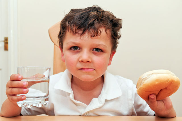 Boy, 5, made to eat bread and water because of late dinner money payment