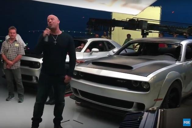 【ビデオ】ヴィン・ディーゼルが『ワイルド・スピード』第8弾について語る動画で、新型ダッジ「チャレンジャー SRT デーモン」の姿が流出!?