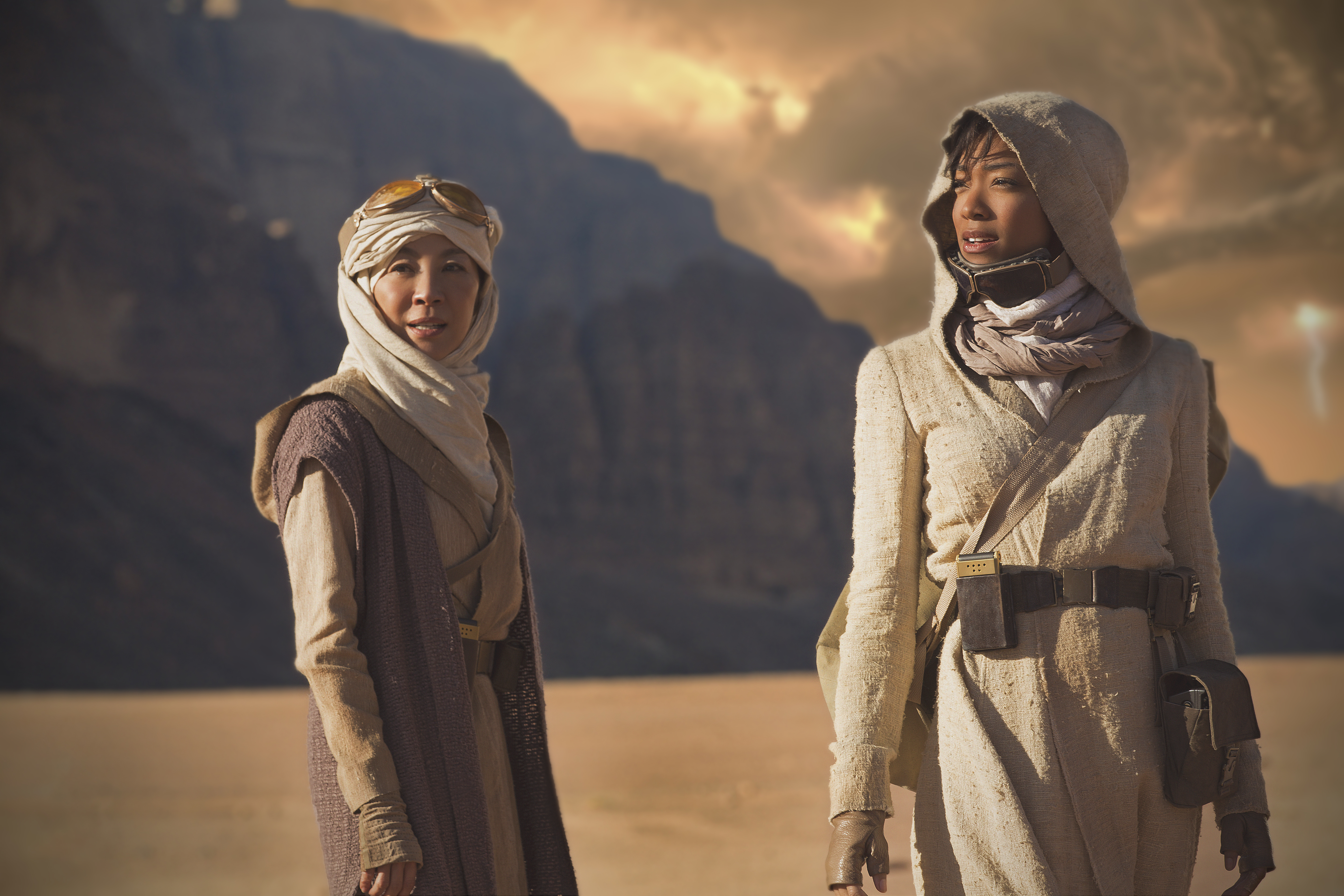 Pictured (l-r): Michelle Yeoh as Captain Philippa Georgiou;  Sonequa Martin-Green as First Officer Michael Burnham. STAR TREK: DISCOVERY coming to CBS All Access. Photo Cr: Dalia Naber.  � 2017 CBS Interactive. All Rights Reserved.