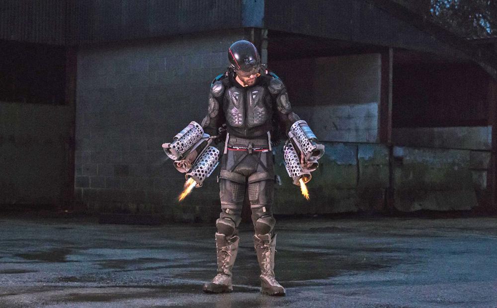 【発明】腕と背中にジェットエンジン装着。英発明家が「空飛ぶアイアンマンスーツ」を完成、披露 [無断転載禁止]©2ch.netYouTube動画>22本 ->画像>16枚