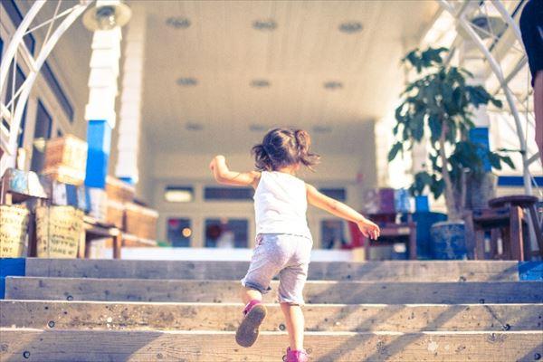 「玄関の香り」が子供のコミュニケーション能力に影響する可能性!?