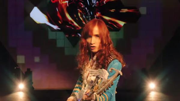 THE ALFEEの高見沢俊彦「ベストヒットたかみー」なギター6本で弾きまくる【動画】