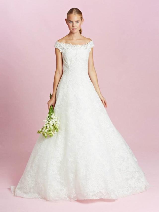 Amal Clooney's Oscar de la Renta wedding dress available to buy