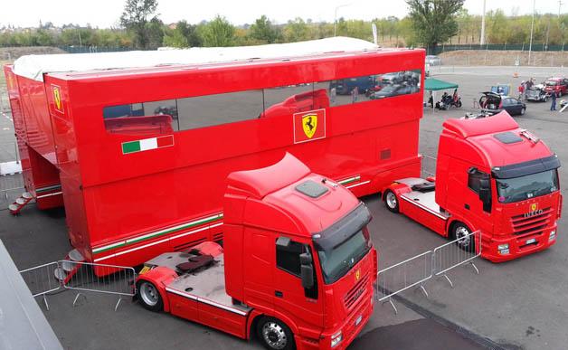 【ビデオ】シューマッハ全盛期に使われたスクーデリア・フェラーリの輸送トラックが販売中!