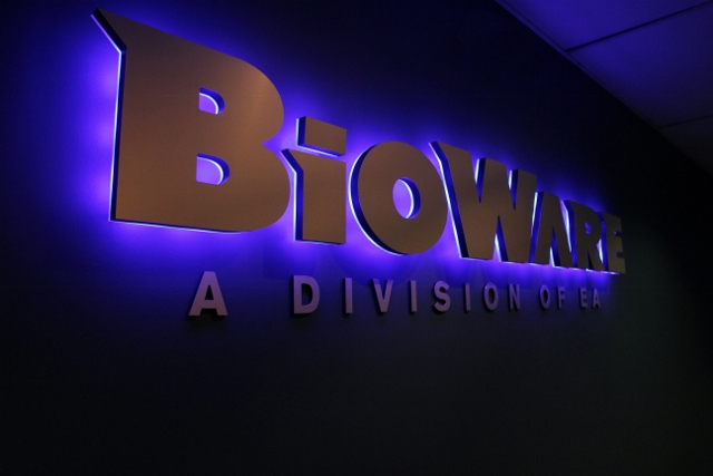 Bioware leaves fans in chaos over shirt, much like ending of Mass Effect 3