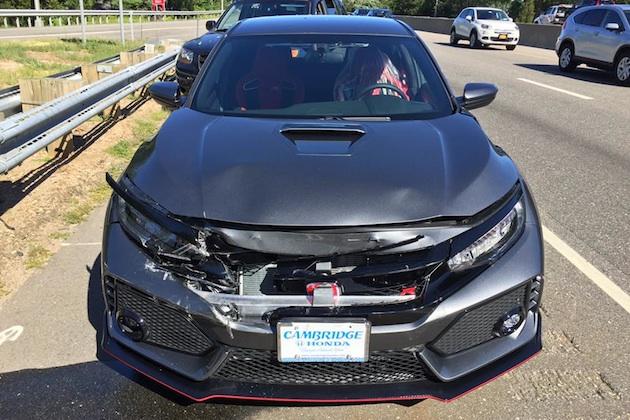 新車のホンダ「シビック TYPE R」を引き取り、わずか19kmで大破