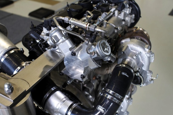 Volvo Drive-E 450 hp High Performance Engine Concept - Dual Fuel Pump