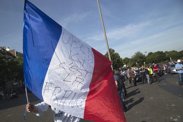 法的圧力を受け、Uberがついにフランスでの低料金サービスを停止