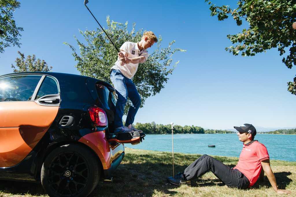 smart, VW golf, urban golf, der neue smart, witzig, humor, video, Golf Rivale, attacke, Mercedes vs VW, herausforder