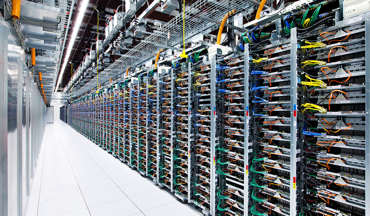 has given everybody a infrequent look inside its server rooms in addition to distinctive how contin Google gives the footing a peek at its clandestine servers