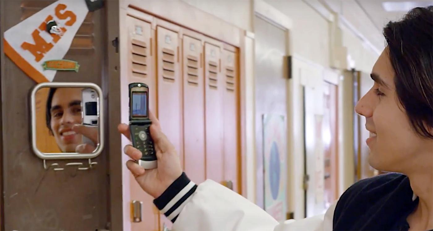 Motorola's legendary RAZR flip phone is making a comeback