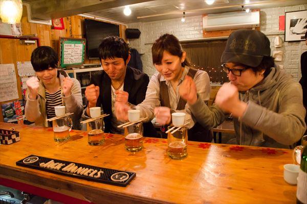 合コンで大流行している新しい日本酒の飲み方「サケボム」とは?