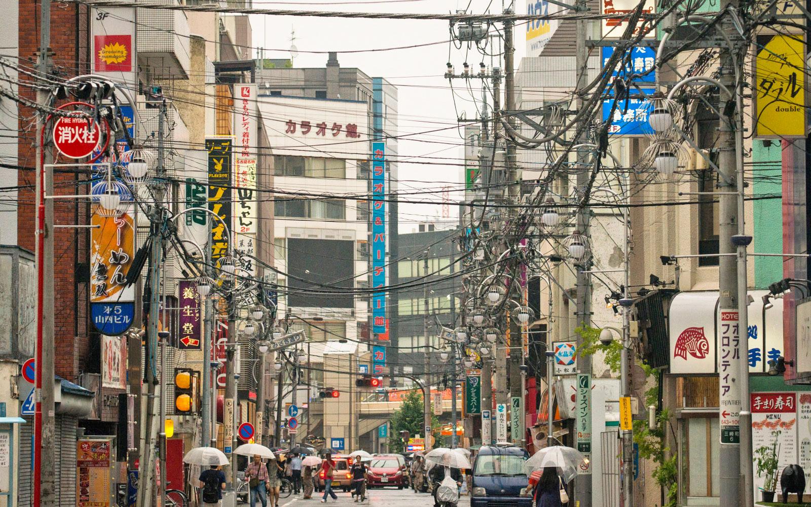 日本音乐发烧友已经到了自掏腰包安装私人电线杆的程度了