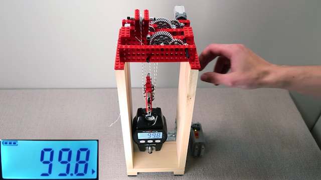 Starker Zug: Lego-Motor zieht über 100 kg