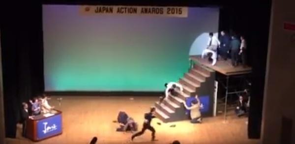 流血!ジャパンアクションアワード「地獄の無限階段落ち」がスゴすぎる【動画】