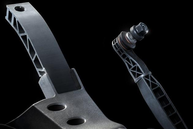 新型シボレー「カマロ」のアルミ製パーツが公開! 先代と比べ91kg以上もの軽量化を実現