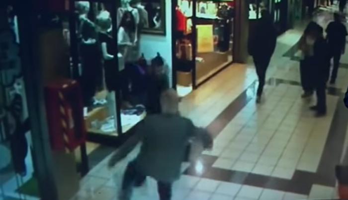 逃走中の強盗に俊敏な蹴りをかました84歳のおじいちゃんの勇敢な行動が話題に