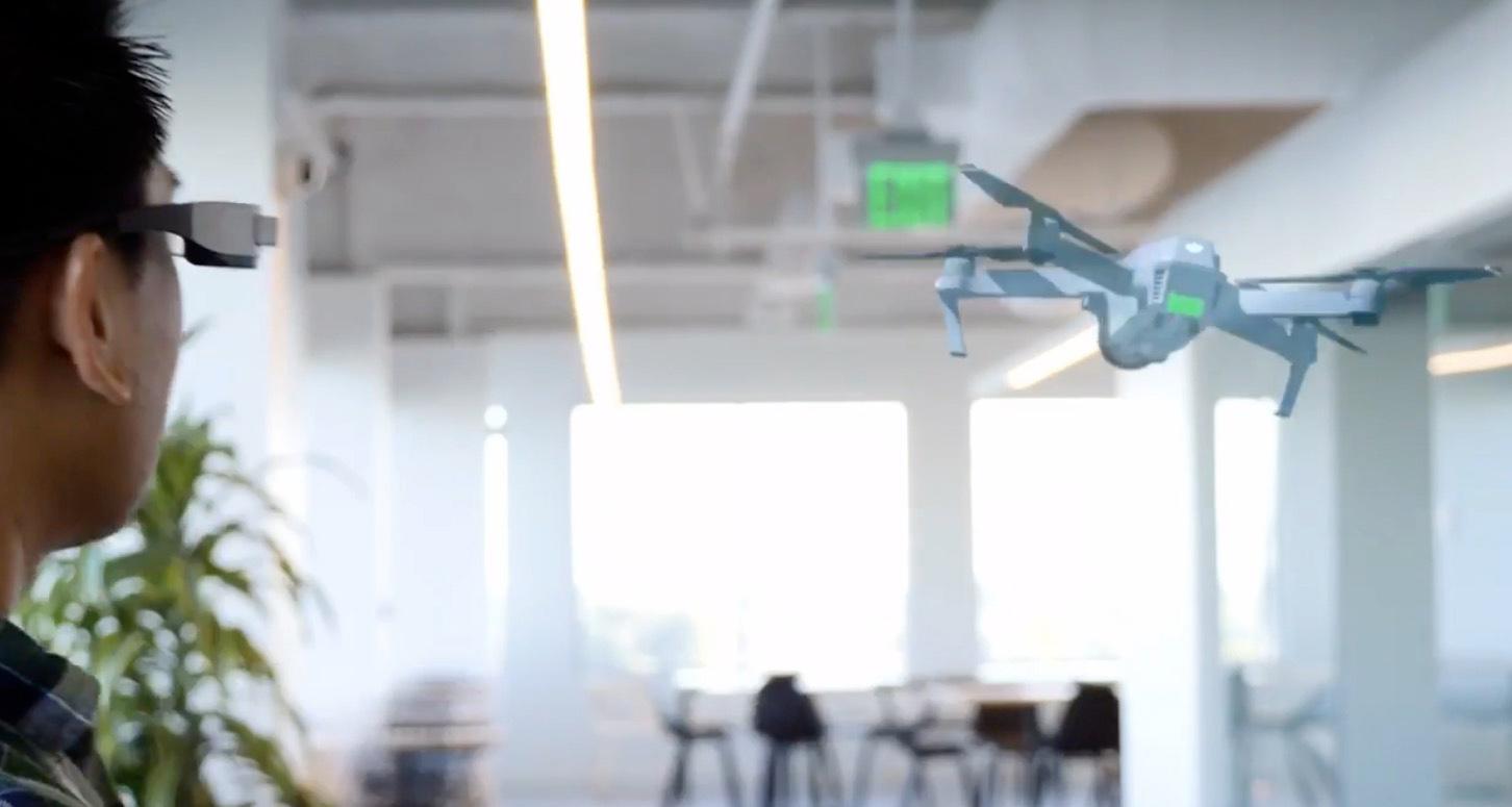 Epson zeigt AR-Drohnen-Flüge im Wohnzimmer