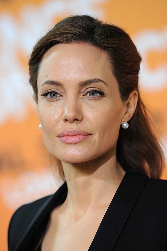 angelina-jolie-honorary-dame