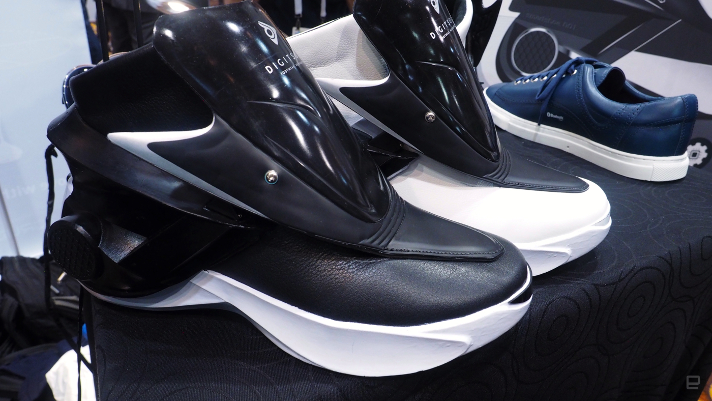 Smart Shoes - giày thông mình đầu tiên trên thế giới, điều khiển bằng SmartPhone. - 107175