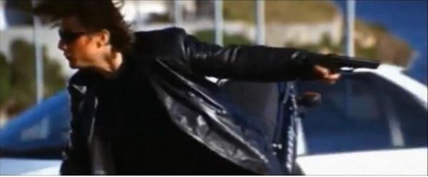 2丁拳銃&白い鳩が舞う!トム・クルーズ×ジョン・ウー監督は『MI:2』で何人殺したか?