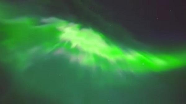 【圧巻!】フィンランドの空に舞う幻想的なオーロラの撮影に成功!