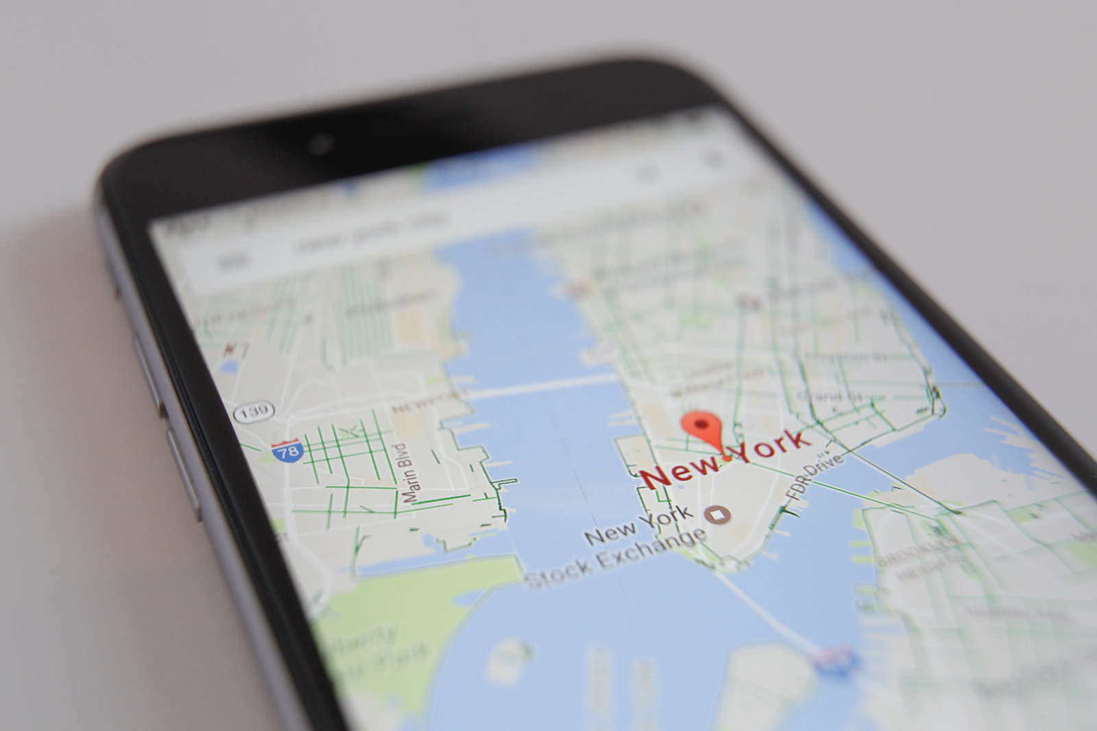 The Google Maps app is seen displaying part of the Manhatten district of New York City on an iPhone on 16 March, 2017. (Photo by Jaap Arriens/NurPhoto via Getty Images)