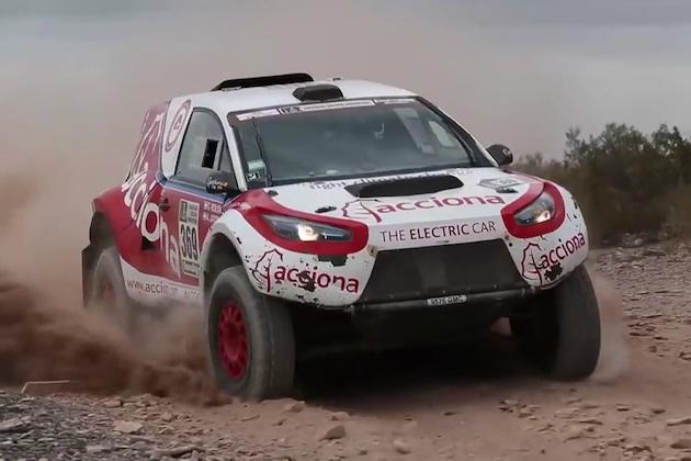 スペインのアクシオナが、史上初めて電気自動車でダカールラリーを完走!