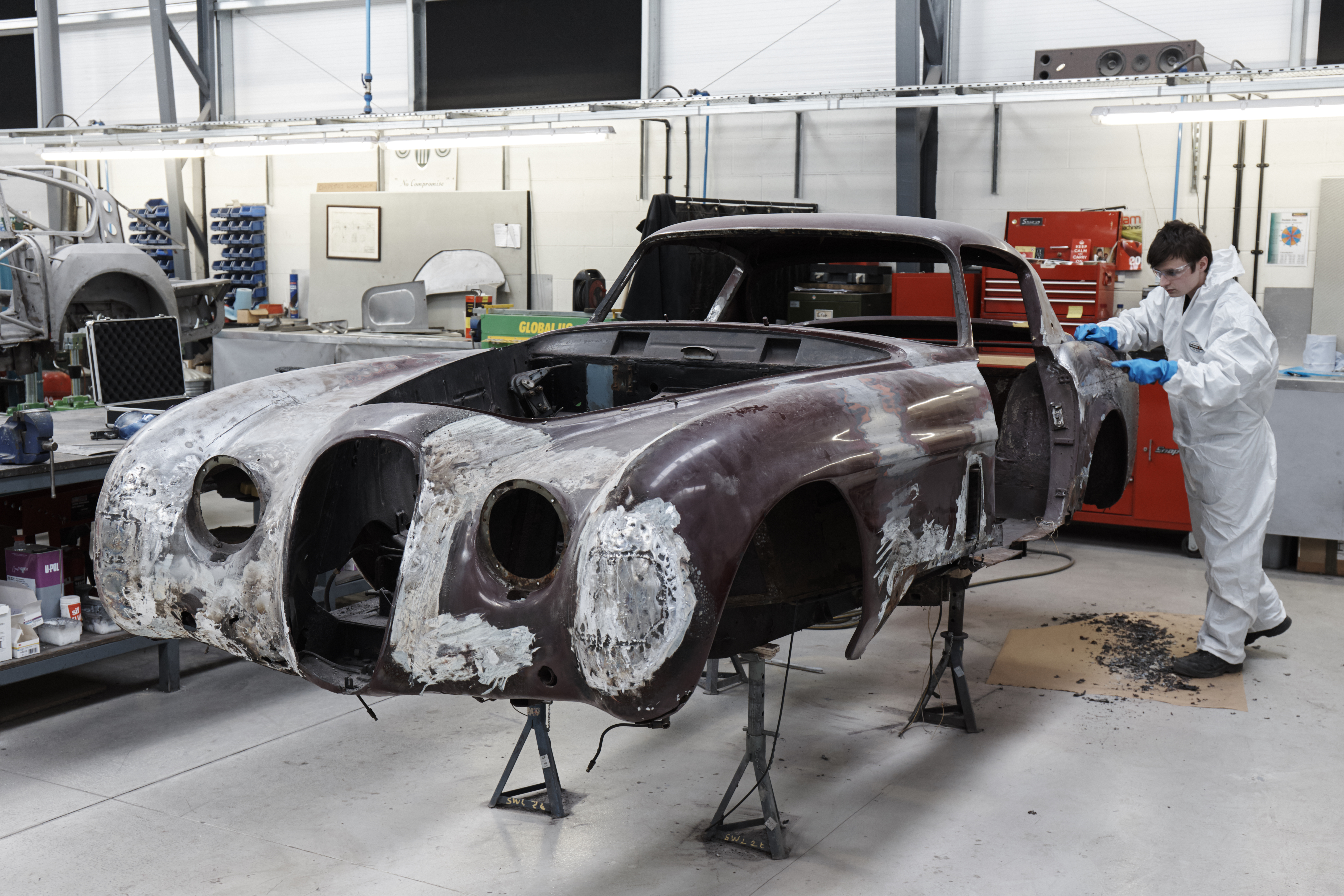 Classic Motor Cars to restore rare XK120 live - AOL UK Cars