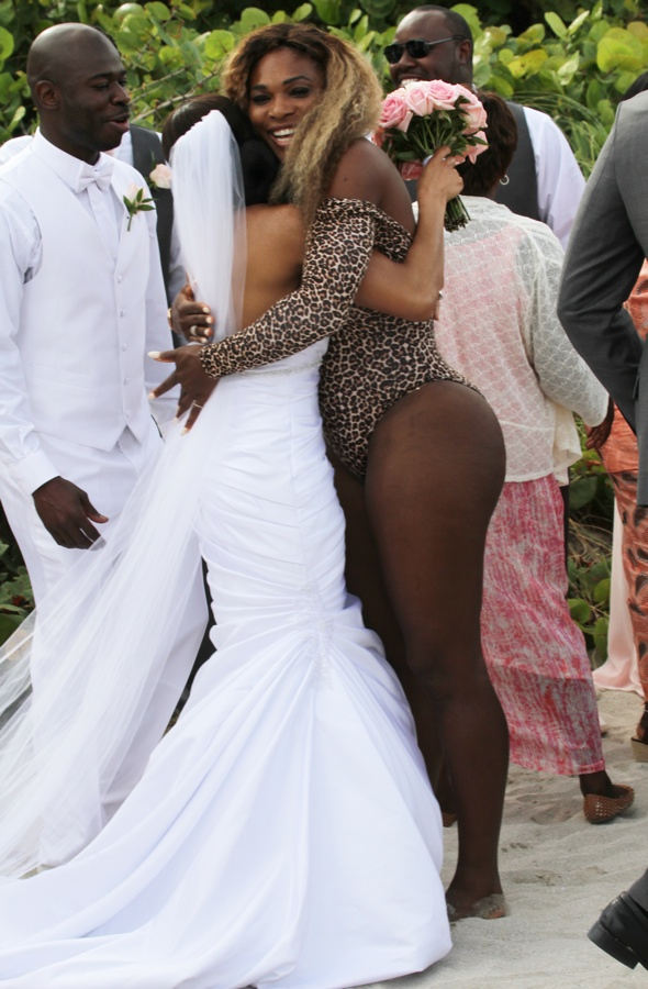 Serena Williams crashes wedding in her swimsuit on Miami Beach ...