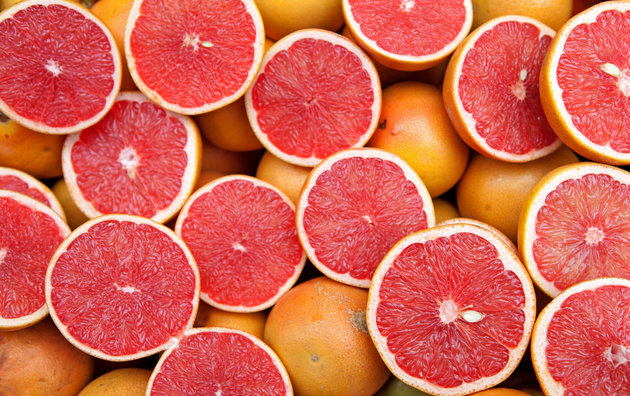 slices-of-pink-grapefruit