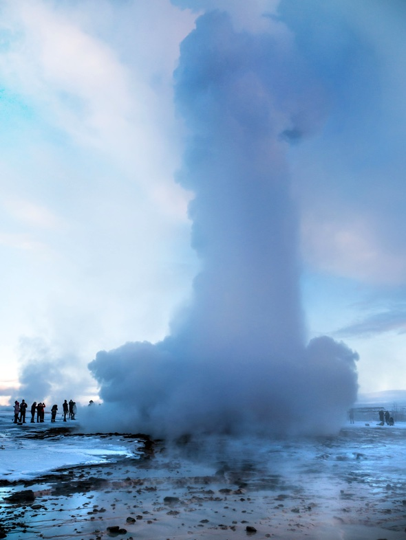 Geyser erupts and creates 'penis cloud'