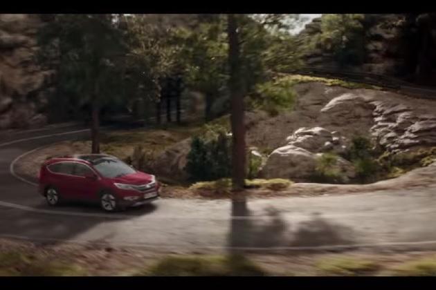 【ビデオ】どこまで続く? ホンダ「CR-V」の永遠に終わらない広告
