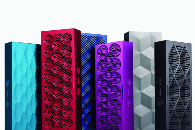 Jawbone now lets you link Mini Jamboxes -- if you happen to have two