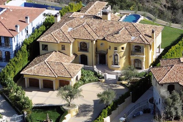 celebrity mansion that will disgust you, kim kardashian kanye west mansion