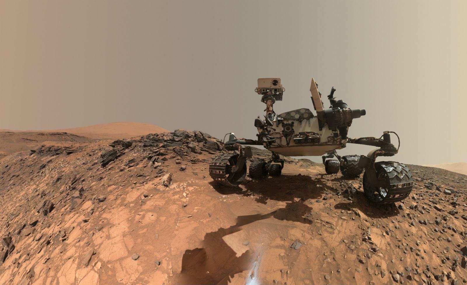 photo image Broken wheels won't stop Curiosity from exploring Mars
