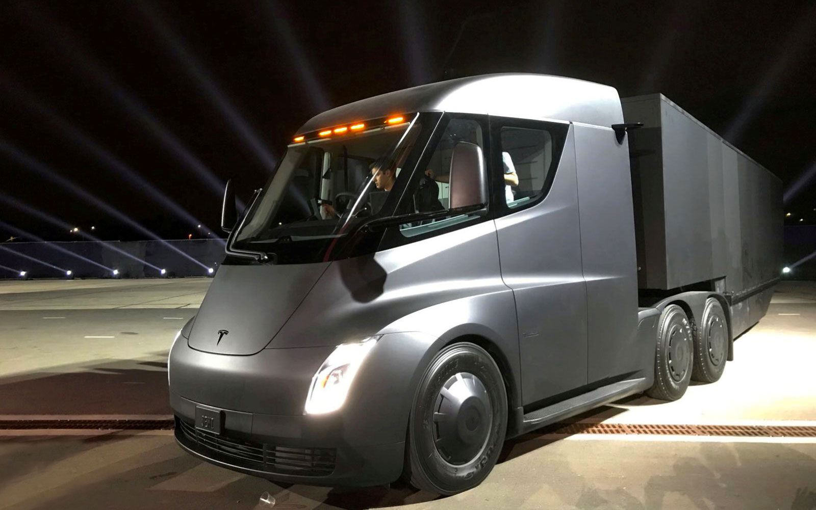 Walmart will test Tesla Semi trucks for transporting merchandise