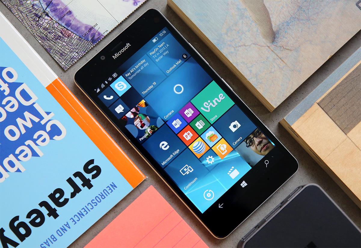 Microsoft pone al fin en circulación Windows 10 Mobile para teléfonos 'antiguos'