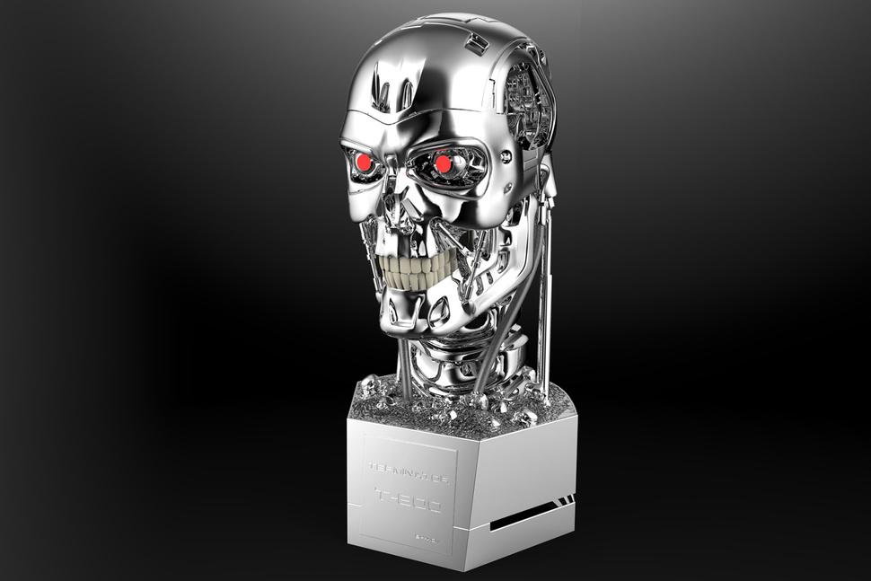 Olvídate de todos los altavoces inteligentes: Terminator T-800 es el definitivo