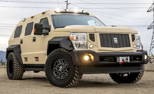 米国のカスタムカー・メーカーが、フォード「スーパー・デューティ」をベースにした豪華で巨大なSUVを発表!