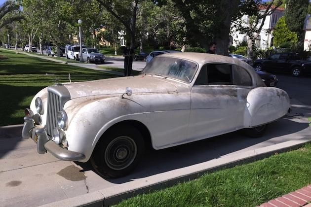 イアン・フレミングが注文したベントレー「Rタイプ」、LAのガレージで再発見される