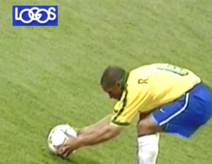 元ブラジル代表、42歳のロベルト・カルロスがまさかの現役復帰で話題に