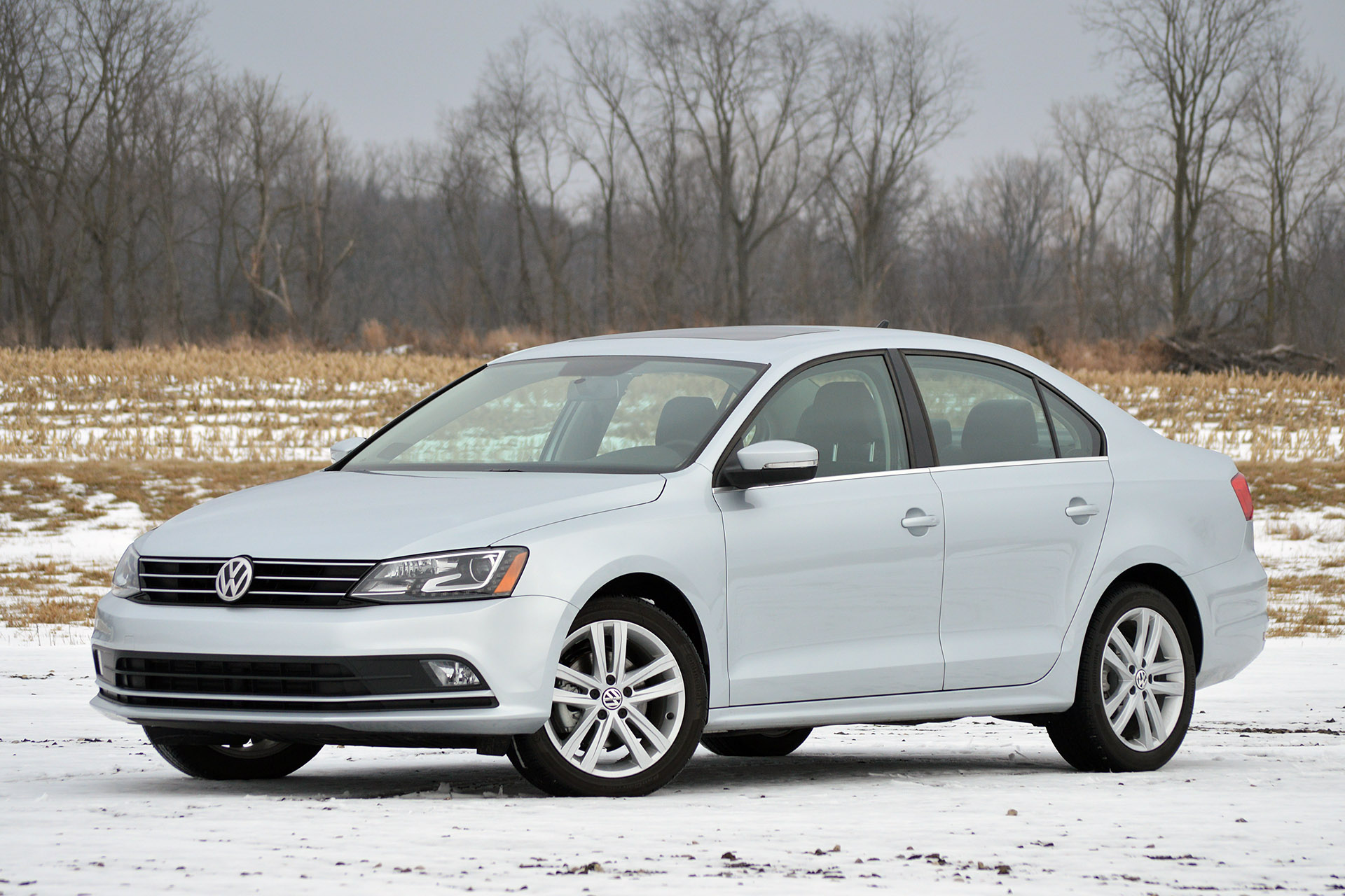 volkswagen jetta tdi prices reviews and new model information autoblog. Black Bedroom Furniture Sets. Home Design Ideas